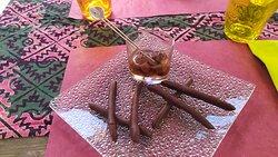 scorzine d'arancia, cioccolato, uvette, rum