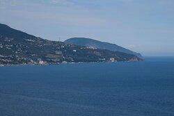 Вид с тропы на побережье