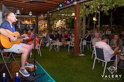Live music on the terrace with Ashley