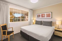 adina serviced apartments canberra kingston two bedroom apartment bedroom king