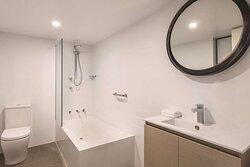 adina serviced apartments canberra kingston one bedroom apartment bathroom