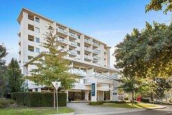 adina serviced apartments canberra dickson exterior