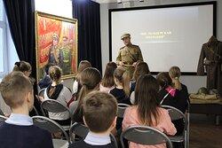 «Живой» урок истории в Сибирской мемориальной картинной галерее