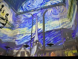 Starry Starry Night in our Vincent meets Rembrandt 360-degree experience