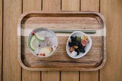 Ook een gin-tonic proeverij is mogelijk. We serveren 3 of 4 mini gin-tonics die telkens gepaard gaan met een bijpassend hapje. Laat je je graag verrassen? Kies dan voor de HIGH gin.