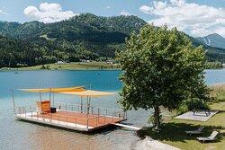 Die ganz besondere Weißensee Erfahrung:  eine Fahrt auf unserem Floß. Für bis zu 50 Personen.