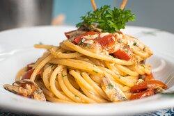 Spaghettone alle alici fresche