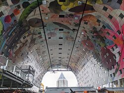 The beautiful Markthal ceiling