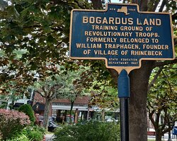 The 4th Regiment of the Continental Army drilled on the Bogardus lot next door in 1775.