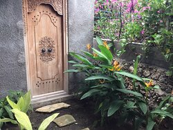 Narrow joglo been doing masive renovation , the joglo house no longer available now change to casa narrow rote , the rooms are clean cozy and free wifi