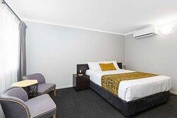 Queen Executive Bedroom