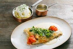 Crispy plaice (baked on the bone) with white wine sauce, pickled tomato and potato-shrimp cream