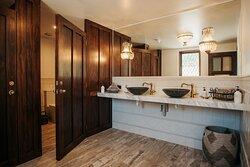 Moraine Lodge Powder Room