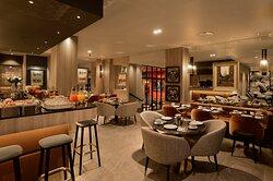 Breakfast room / Bar