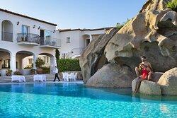 PISCINA HOTEL LA ROCCA RESORT & SPA