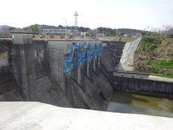 千葉県君津市にある重力式コンクリートダム
