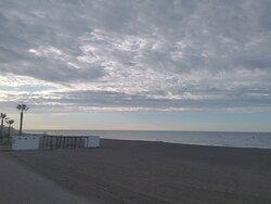 Día de nubes ☁ ☁️ ☁️ ☁️ en la playa.