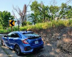 Parking at Breakneck Ridge rail trestle.