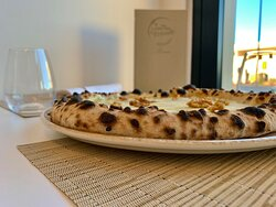Pizza Napoletan