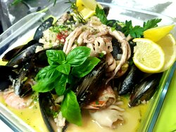 mixed seafood in wine sauce
