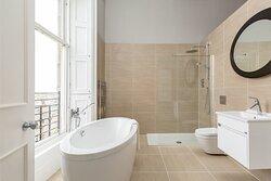 Canonmills Ensuite Bathroom and Double rain shower