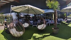 Terrasse lounge cocoon FunPlanet Rennaz