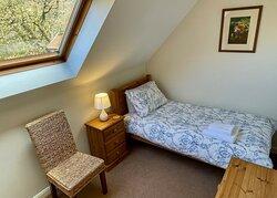 Bluebell Cottage bedroom