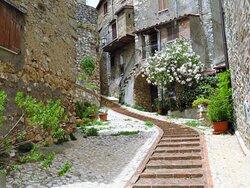 Tipica scalinata nei pressi di via della Loggia