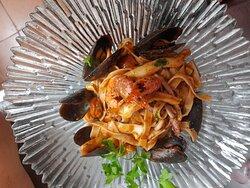 """Tagliatelle """"Frutti di Mare"""" una explosión de sabor directamente del mar🌊🐚"""