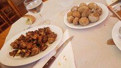 Carne de cerdo frita al ajo
