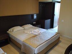 Habitación con cama doble + supletoria