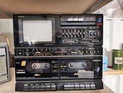 Kassetten und TV-Deck
