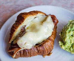 Bam bam croissant, crispy bacon, melted gruyere and a side of avo! That perfect winter warmer