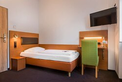 Economy single room Novum Hotel Bruy Stuttgart