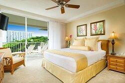 Aston at The Whaler on Kaanapali Beach - Premium Ocean View Bedroom