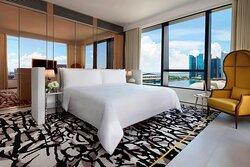 Premier Marina Bay View Suite - Bedroom