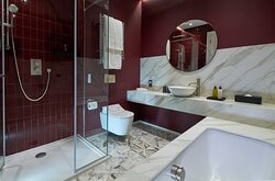 Luxury Two Bedroom Apartment master bedroom en suite bathroom