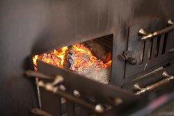 Odun Ateşinde İtalyan Pizzası