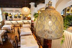Gusto y decoración tematizada. Restaurante Emiliano.