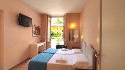 Panoramica camera matrimoniale confort Hotel Rita Major Firenze