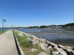 Le quai de l'Anse-aux-Coques fait partie du réseau des haltes marines du Québec.