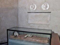 Cappella Grifi: monumento funebre