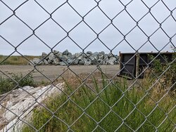 The chain link fence...perhaps another time, the jetty will be complete!