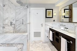 Bristol Suite - Bathroom