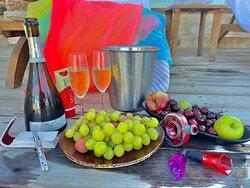 Пустыня ! Прессованные разноцветные пески ! Гостиница Берешит ! Кратер Рамон - 360 метров !  Много отличного вина ! Любимые винные гаджеты ! Отдых семейный ! Козлы и козочки ! Вкусная еда ! СПА , Хамам , сауна , массаж , маски , пилинги ! Удовольствий много не бывает . Любви много не бывает ! Живу в самой любимой и красивой  Стране !💙💙💙🇮🇱🇮🇱🇮🇱🇮🇱🇮🇱🥂🥂🥂🥂🍷🍷🍷🍷🍷🍷🍷