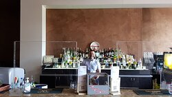 Bar and Cristo. Best bartender 😎