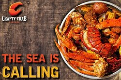 Crafty Crab offers the freshest seafood and most authentic recipes in the area. We're cookin' up crab, crawfish, calamari, lobster, oysters, mussels, and scallops in the kitchen. Made fresh daily!