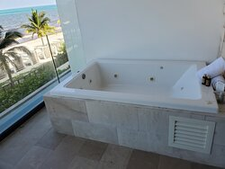 Jetted tub has to be filled for each use.