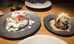 dessert pavlova en ijs