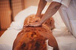 Full Body Peeling Massage